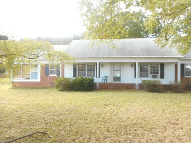 3 BR,  2.00 BTH Exp ranch style home in Foster