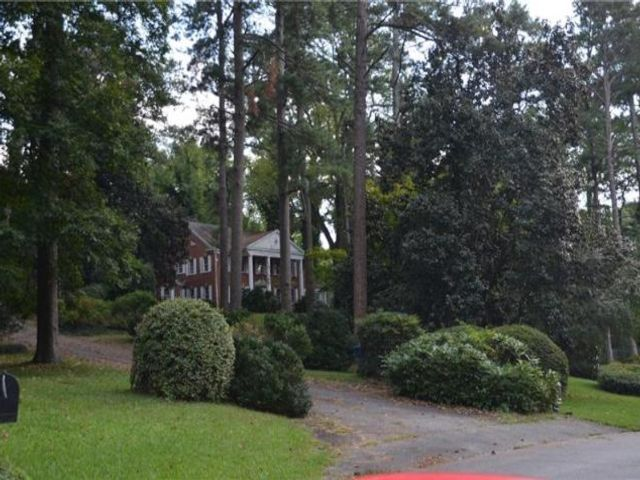 Lot <b>Size:</b> 7.02 Land style home in Atlanta
