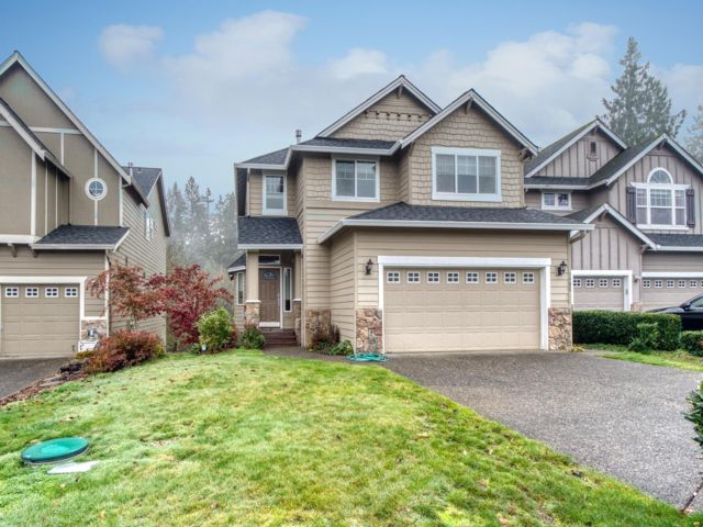 5 BR,  3.50 BTH Custom style home in Vancouver