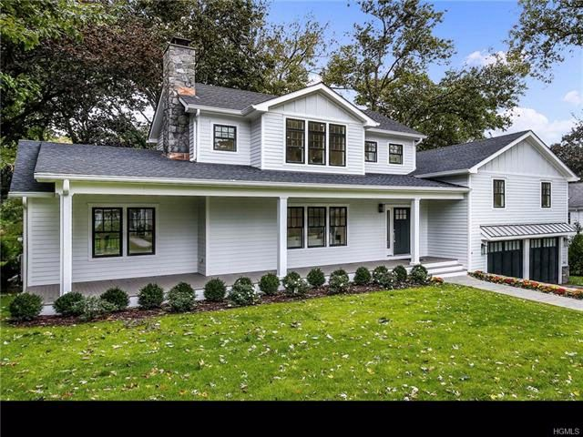 5 BR,  4.50 BTH Colonial style home in Rye Brook
