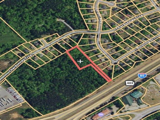Lot <b>Size:</b> 1.71 Land style home in Braselton