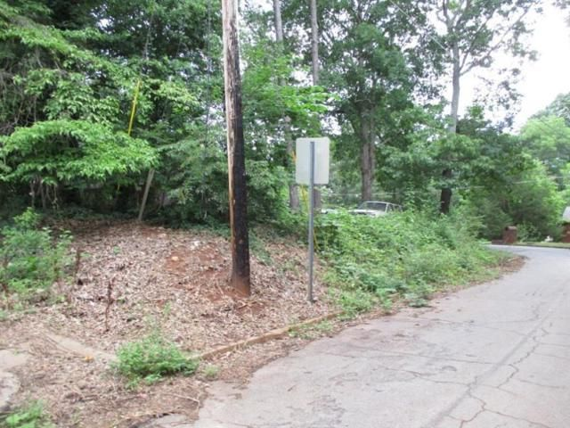 Lot <b>Size:</b> 0.2  Land style home in Scottdale