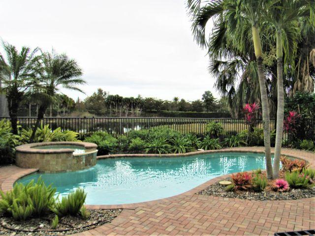[Naples Real Estate, listing number 6941597]