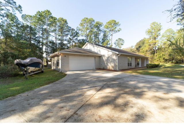 4 BR,  2.00 BTH   style home in Ocala