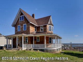 4 BR,  3.50 BTH Victorian style home in Highlands