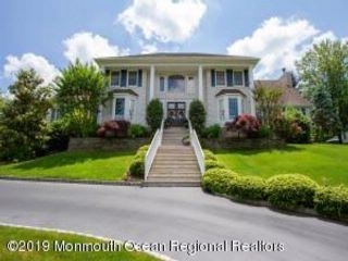 5 BR,  4.50 BTH Colonial style home in Ocean Twp