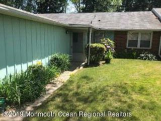 2 BR,  2.00 BTH Attached style home in Lakewood