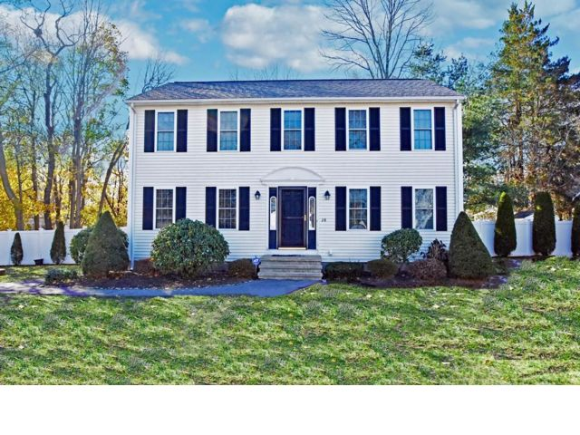 3 BR,  2.50 BTH Colonial style home in Brockton
