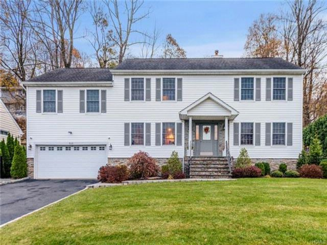 [Thornwood Real Estate, listing number 6941865]