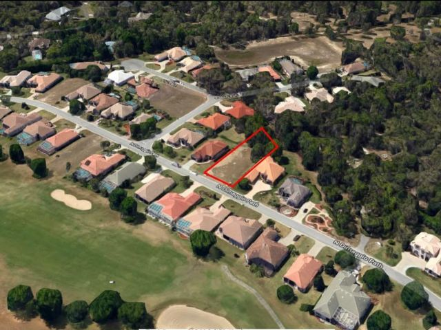 Lot <b>Size:</b> 0.36 Land style home in Hernando