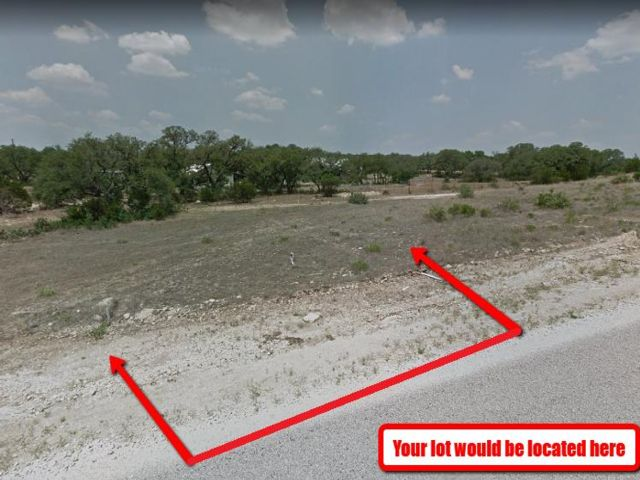 Lot <b>Size:</b> 0.2 Land style home in Blanco