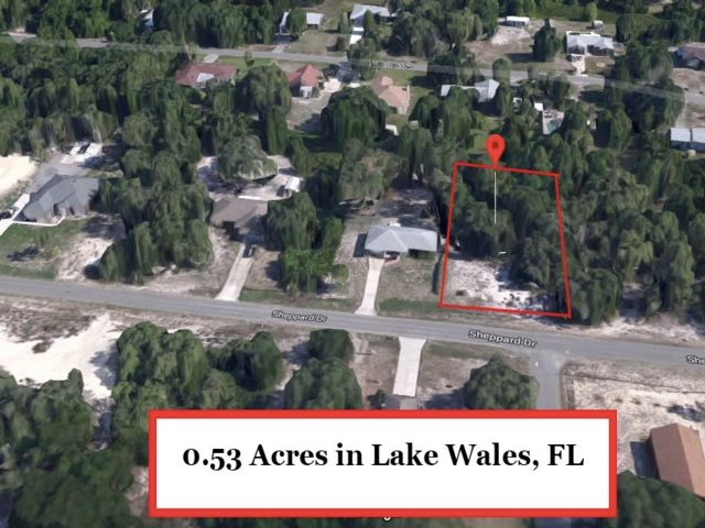 Lot <b>Size:</b> 0.53  Land style home in Lake Wales