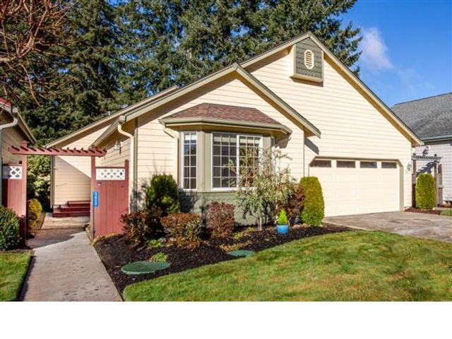 3 BR,  2.00 BTH  Contemporary style home in Olympia