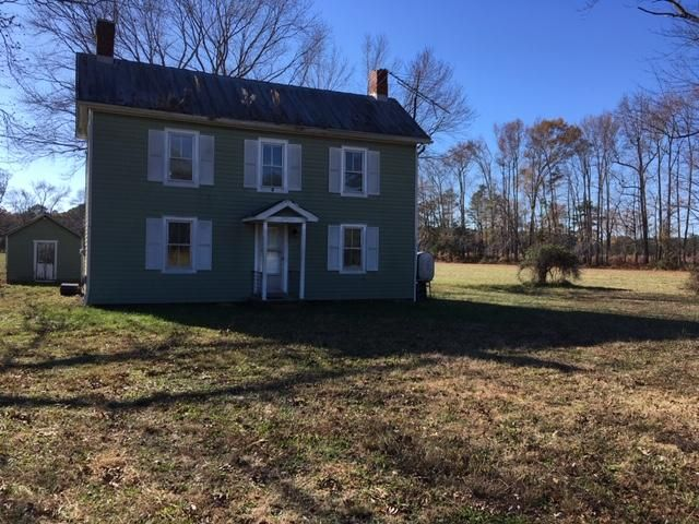 3 BR,  1.00 BTH 2 story style home in Foster