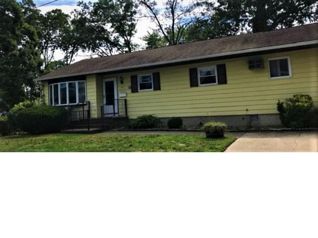 [West Babylon Real Estate, listing number 6942374]