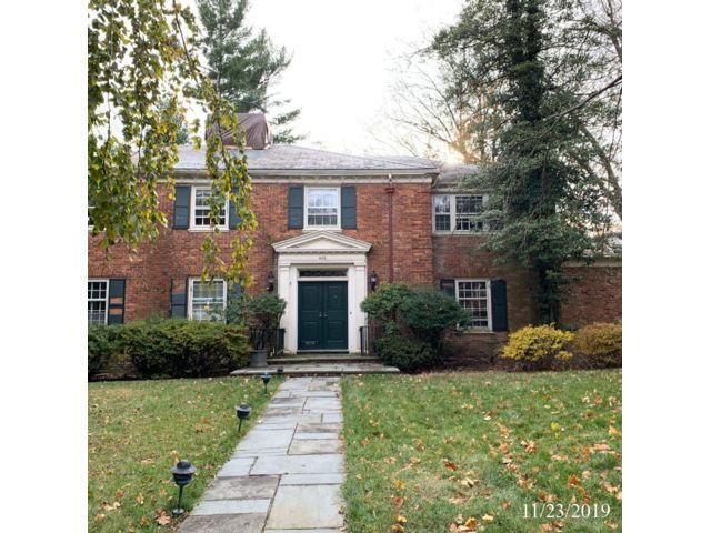 5 BR,  4.55 BTH  Colonial style home in South Orange