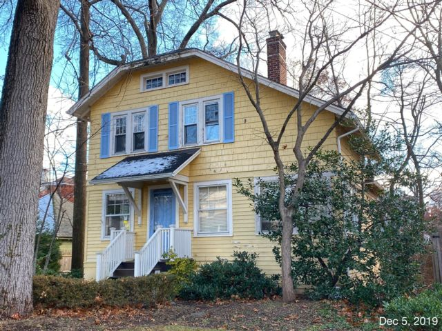 3 BR,  3.50 BTH  Colonial style home in Westfield
