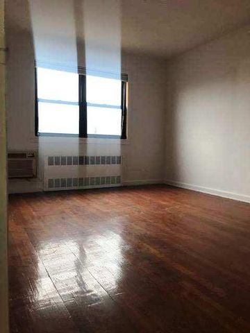 2 BR,  1.00 BTH   style home in Middle Village