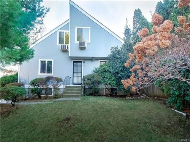 4 BR,  3.00 BTH Capecod style home in Spring Valley