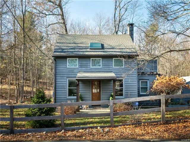 3 BR,  2.50 BTH Capecod style home in Rhinebeck