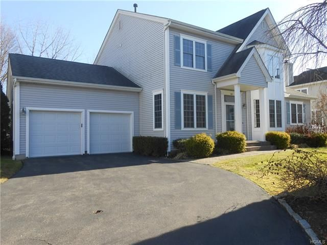3 BR,  2.50 BTH Colonial style home in White Plains