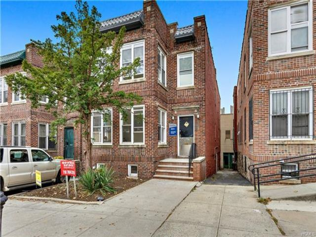 Studio,  0.00 BTH Commercial style home in Mosholu