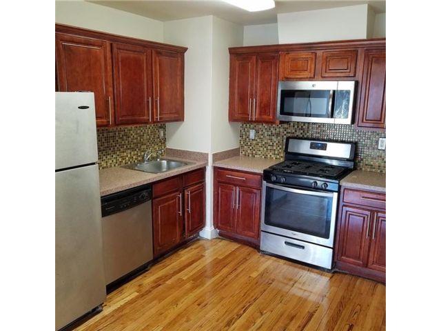 3 BR,  2.00 BTH Condominium style home in Canarsie
