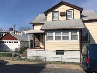 Studio,  0.00 BTH  Multi-family style home in Gerritsen Beach
