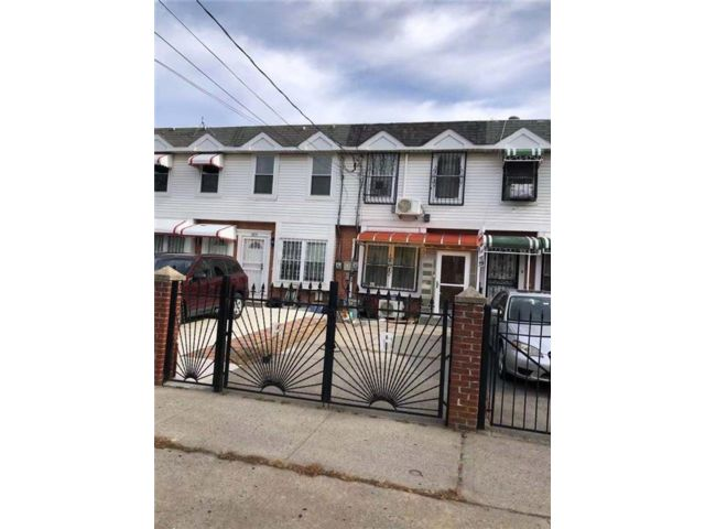 3 BR,  2.00 BTH  Single family style home in Coney Island