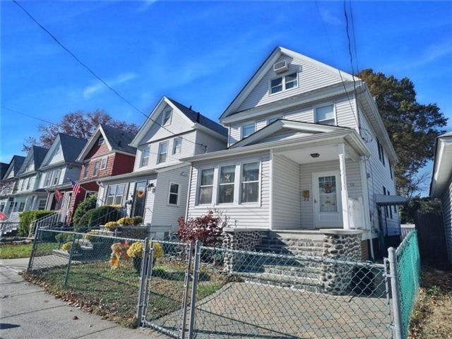 3 BR,  1.00 BTH  Single family style home in Port Richmond