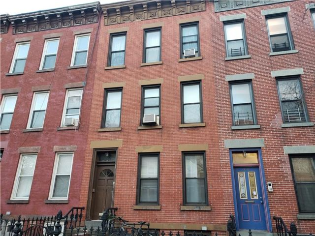 7 BR,  3.00 BTH  Multi-family style home in Park Slope