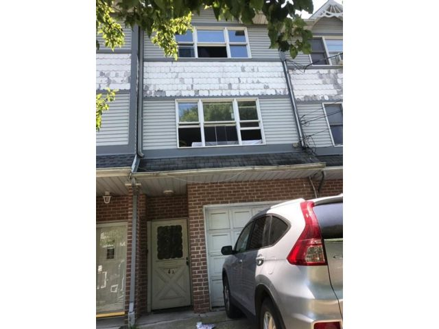 [Westerleigh Real Estate, listing number 6942895]