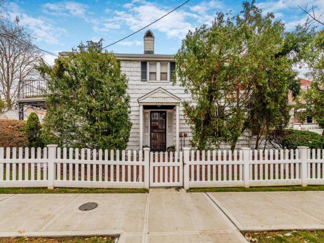 [Esplanade Real Estate, listing number 6943037]