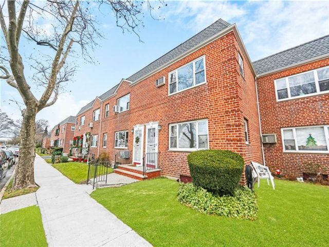 1 BR,  1.00 BTH Co-op style home in Dyker Heights