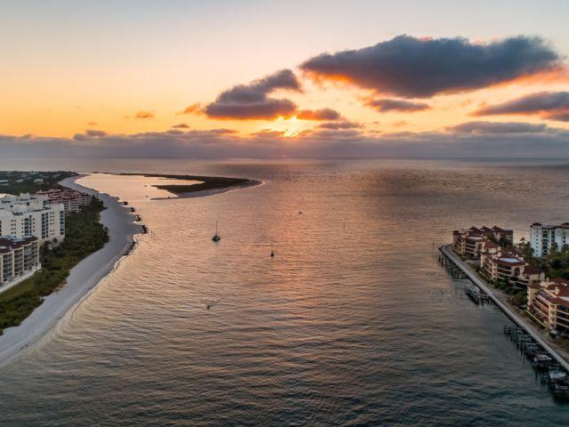 [Naples Real Estate, listing number 6943188]