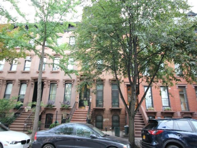 7 BR,  4.00 BTH  Multi-family style home in Clinton Hill