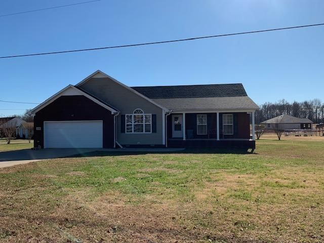 3 BR,  2.00 BTH Ranch style home in Fayetteville