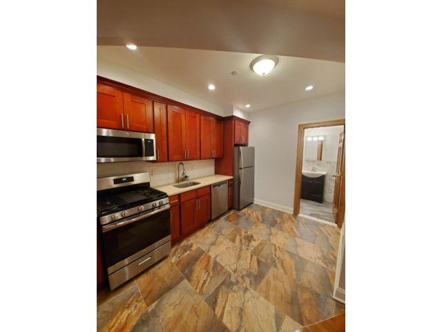 2 BR,  1.00 BTH Apartment style home in Maspeth