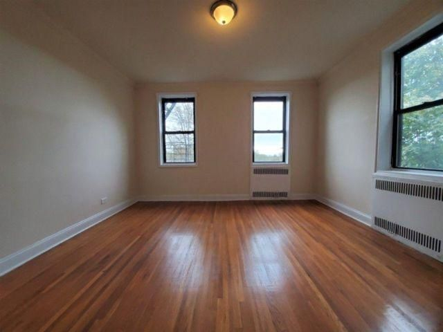 Studio,  0.00 BTH Apartment style home in Queens Village