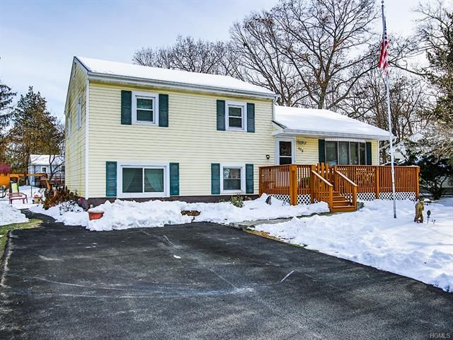 3 BR,  1.50 BTH  Split level style home in Newburgh
