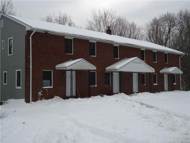 2 BR,  1.50 BTH  Apartment style home in Highland