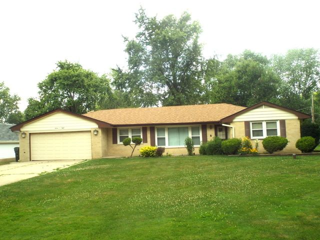 3 BR,  2.00 BTH  Ranch style home in Schaumburg