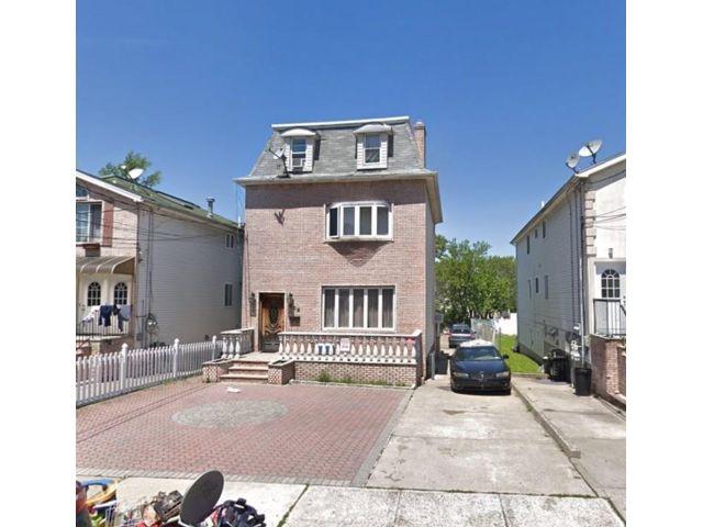 Studio,  0.00 BTH Multi-family style home in West Brighton