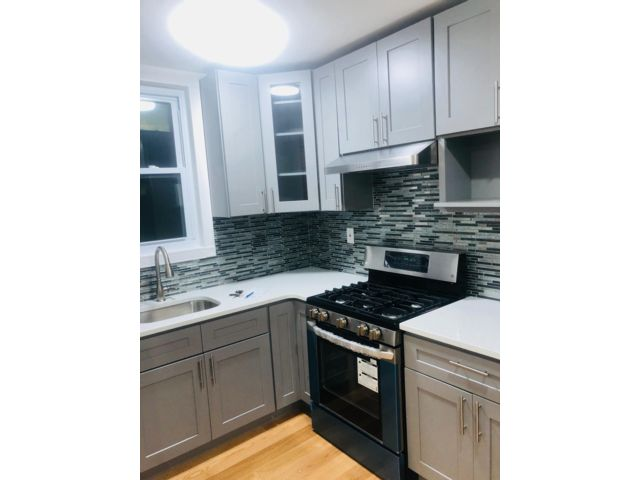 4 BR,  1.50 BTH  style home in Richmond Hill