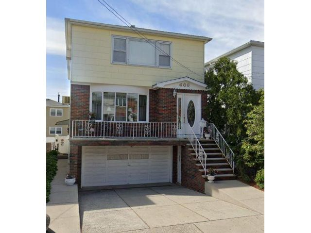 3 BR,  1.50 BTH Apartment style home in Kearny