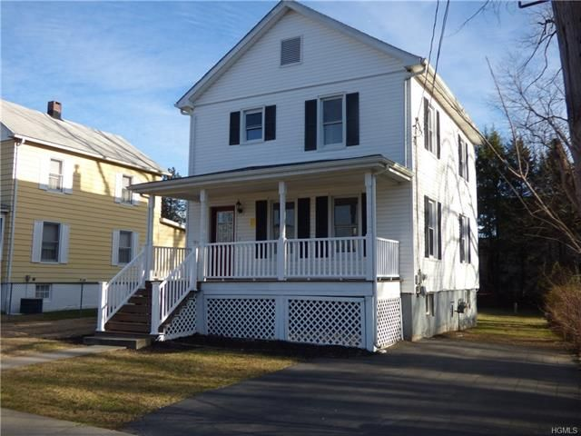 3 BR,  1.00 BTH  Colonial style home in Montgomery Town