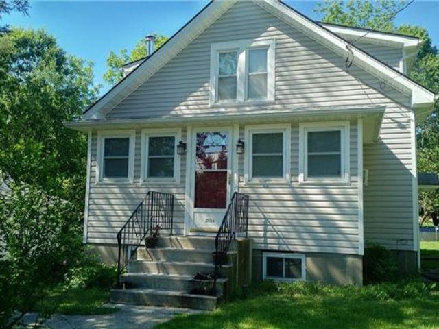 2 BR,  1.00 BTH  Arts&crafts style home in Bullville