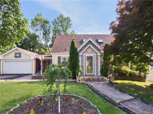 4 BR,  1.55 BTH Other style home in Elmsford