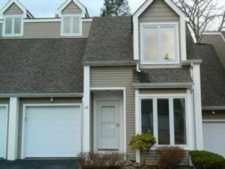 2 BR,  2.50 BTH  style home in Crotonville