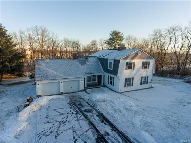 5 BR,  2.50 BTH Colonial style home in Montgomery